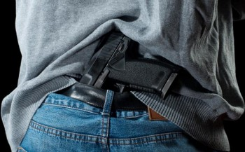 gun in pants_645x400